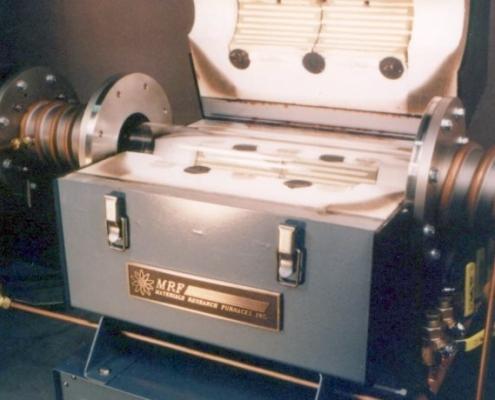 Hydrogen tube furnace chamber